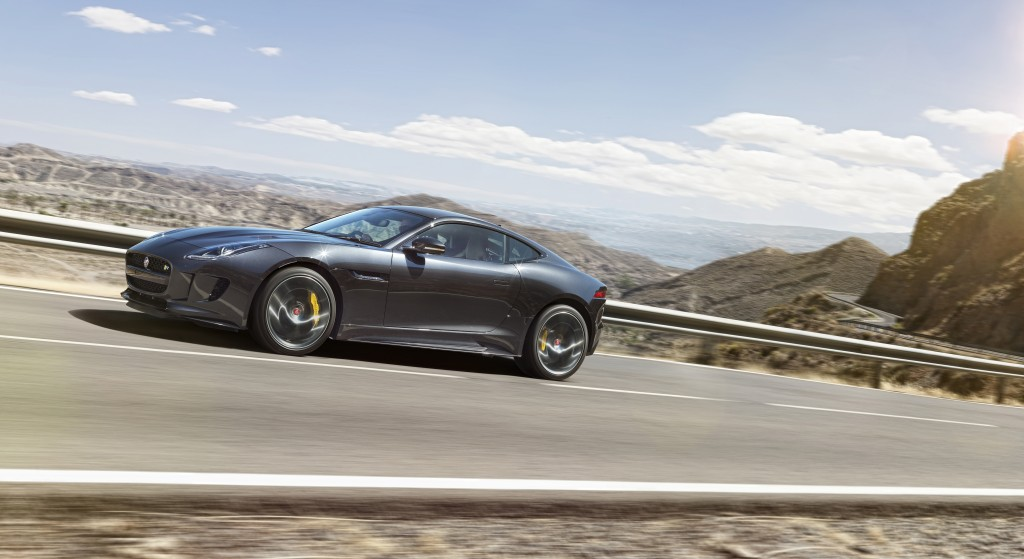 Jag_FTYPE_16MY_AWD_R_Storm_Grey_Image_191114_03_98631