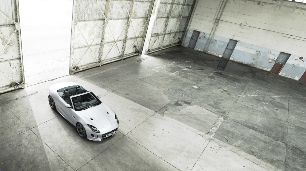 Jag_FTYPE_BDE_Location_Image_050116_13