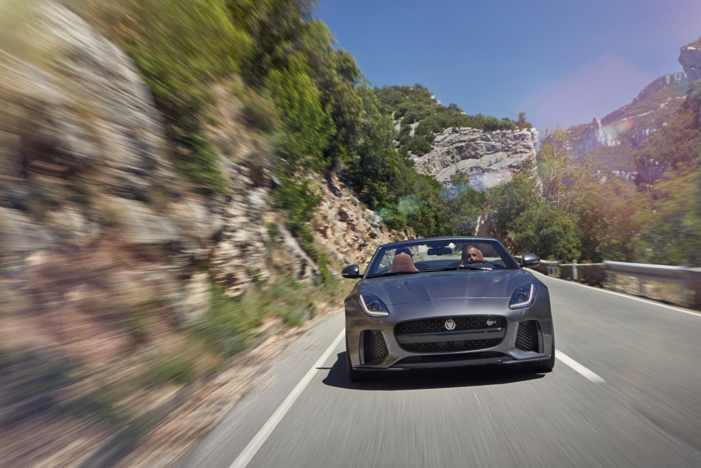 Jag_FTYPE_SVR_Convertible_Location_170216_20_126617