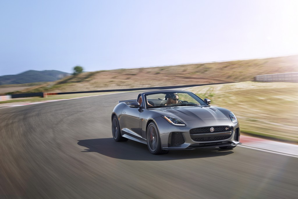 Jag_FTYPE_SVR_Convertible_Track_170216_25_126624