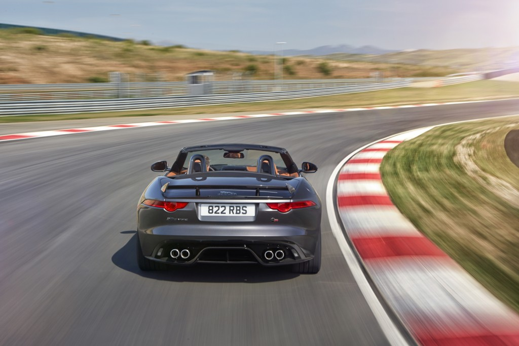 Jag_FTYPE_SVR_Convertible_Track_170216_26_126629
