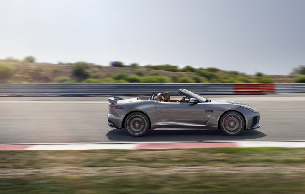 Jag_FTYPE_SVR_Convertible_Track_170216_28_126628