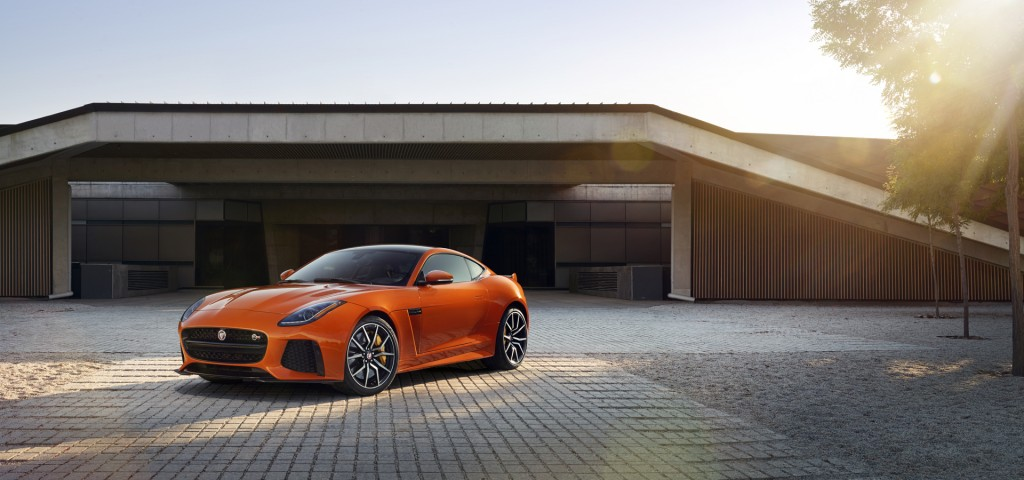 Jag_FTYPE_SVR_Coupe_Location_170216_04_126547