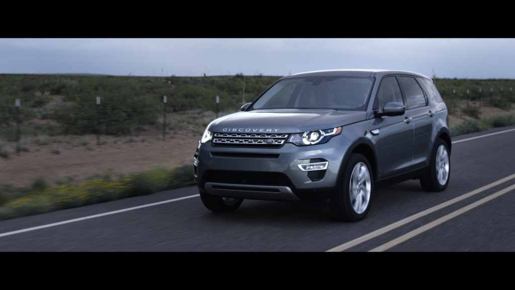 LR_Discovery_Sport_15_93356