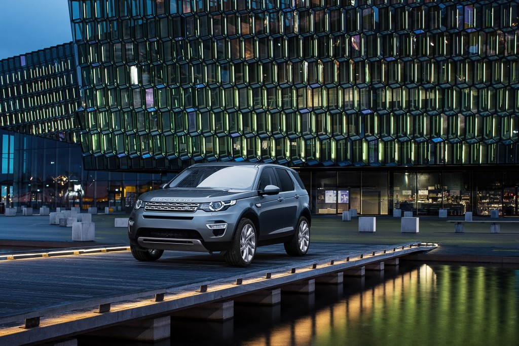 LR_Discovery_Sport_17_93346