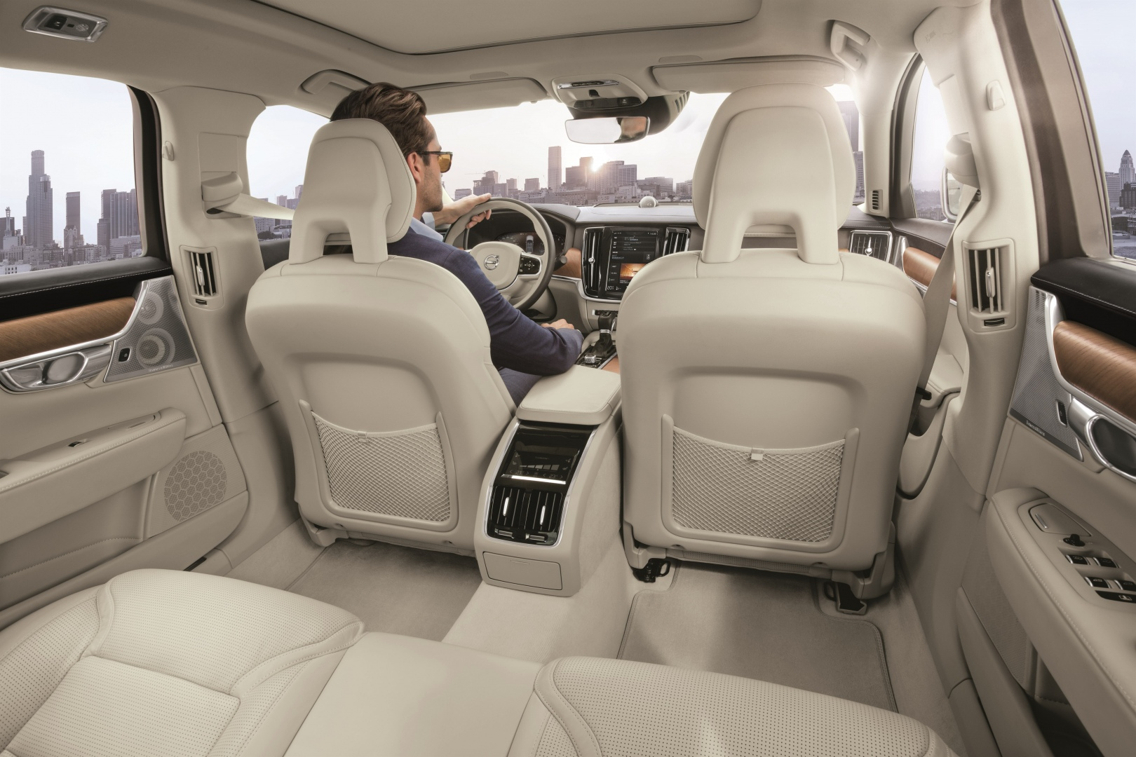 199952_Volvo_S90_China_version_interior