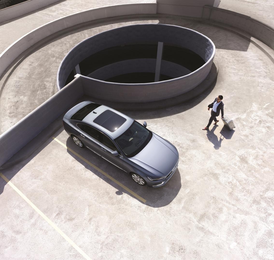 199957_Volvo_S90_China_version_exterior_panoramic_roof