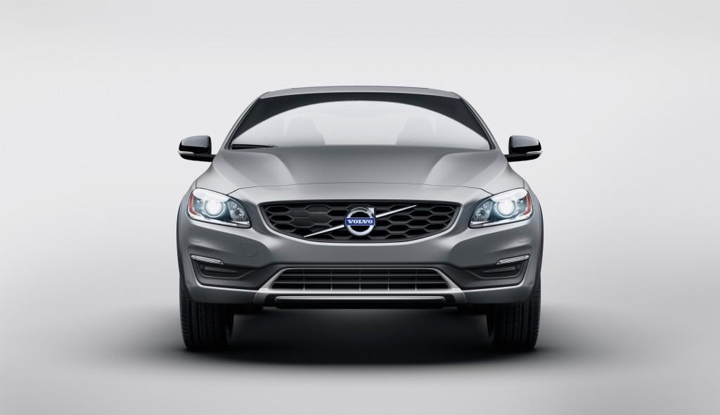 155763_Volvo_S60_Cross_Country
