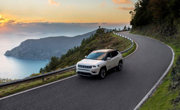 865db5fd899cb Jeep® Compass: úplne nové kompaktné SUV poskytujúce nedostižné schopnosti  4×4, prvotriednu jazdnú dynamiku a originálny dizajn Jeep.